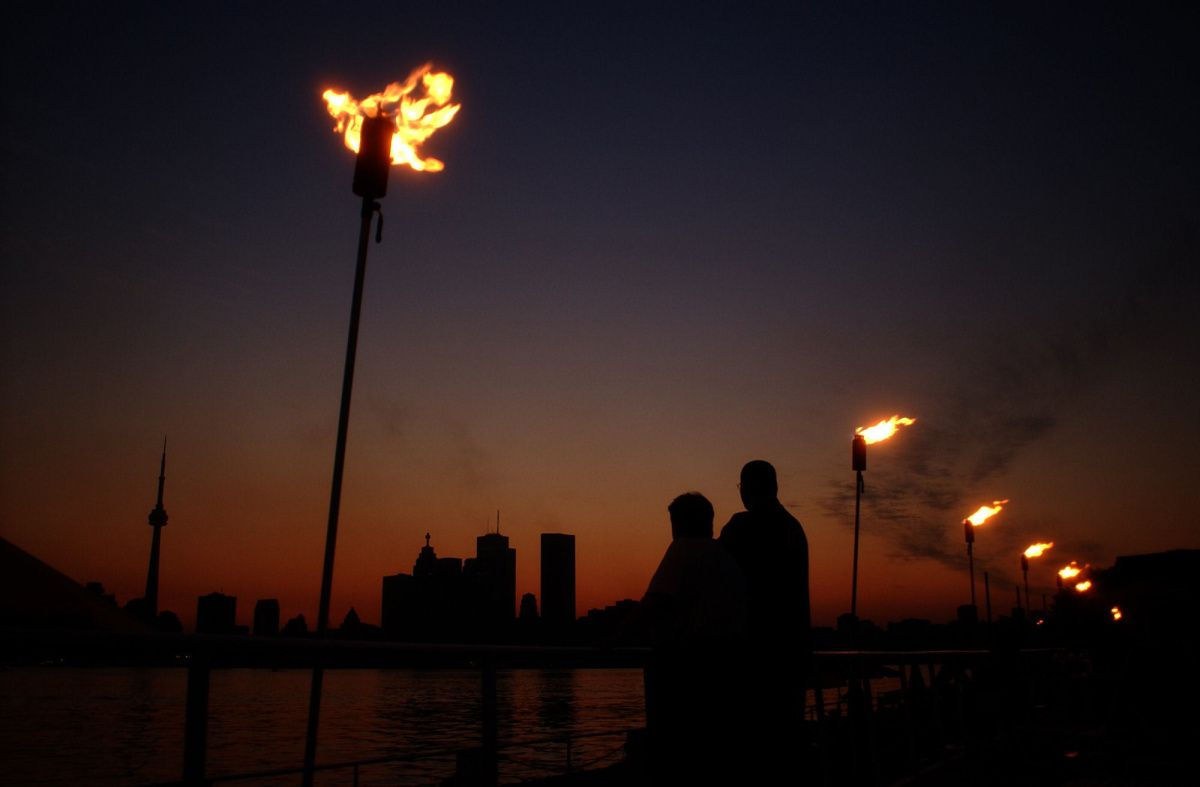 blackout_main_torches
